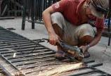 Dịch vụ sửa chữa cửa sắt giá rẻ tại TPHCM