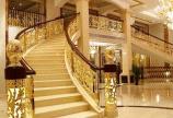 Cầu thang nhôm đúc đẹp giá rẻ tại TPHCM